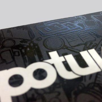 Επαγγελματικές κάρτες με απαλό τοπικό βερνίκι UV